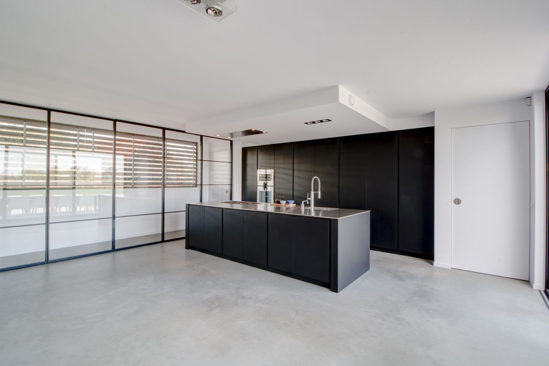 Zwart Betonvloer Keuken : Zwarte keuken betonvloer design betonvloer stoere en unieke